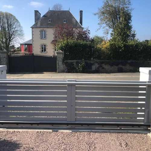 Changement d''un portail -Pleumeur-Bodou (22)