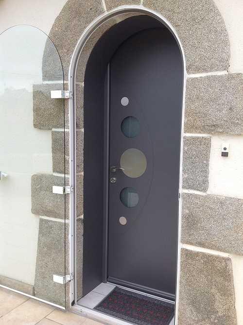Porte entrée alu et double porte vitrée alu plein cintre - Bégard 1276
