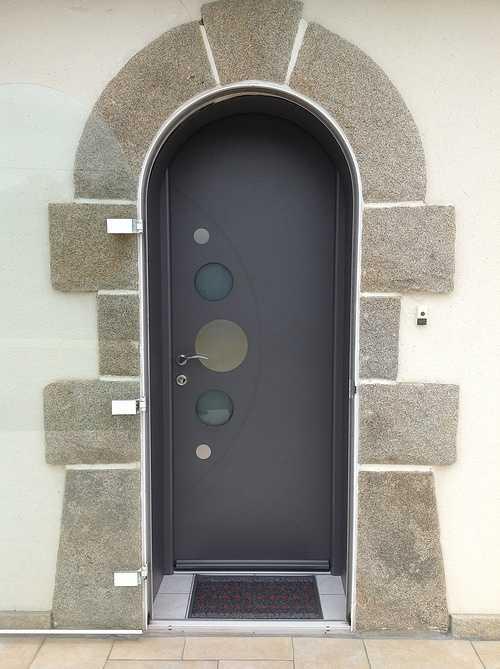 Porte entrée alu et double porte vitrée alu plein cintre - Bégard 1277