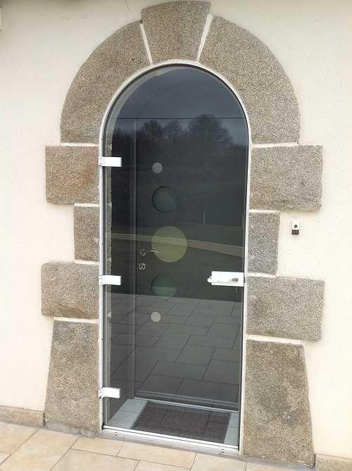 Porte entrée alu et double porte vitrée alu plein cintre - Bégard 0