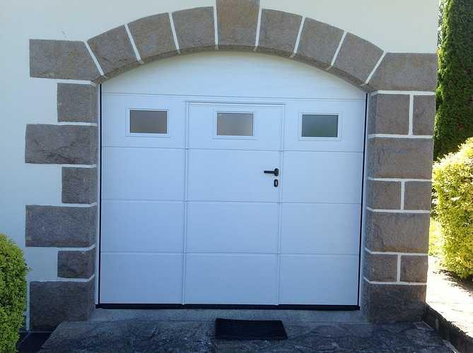 Porte de garage sectionnelle manuelle, imposte surbaissé - Lannion 0