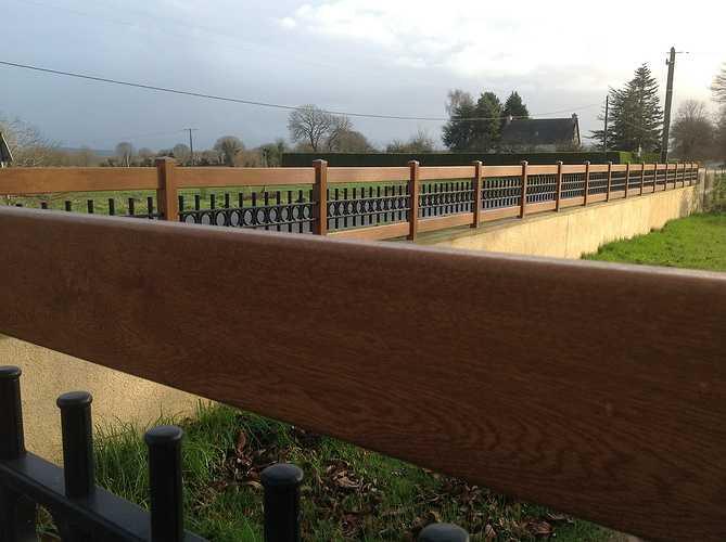 Portail et clôture mixte PVC imitation bois et ALU laqué noir - Plounevez Moedec 1151