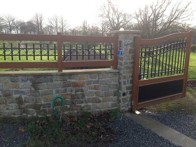 Portail et clôture mixte PVC imitation bois et ALU laqué noir - Plounevez Moedec 0