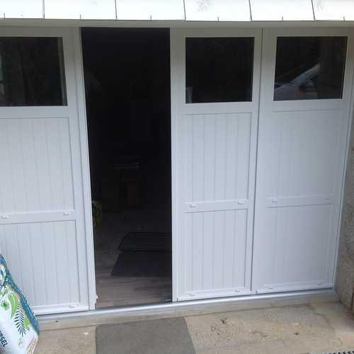 Porte de garage PVC isolée, 4 vantaux à la française - Pleumeur Bodou