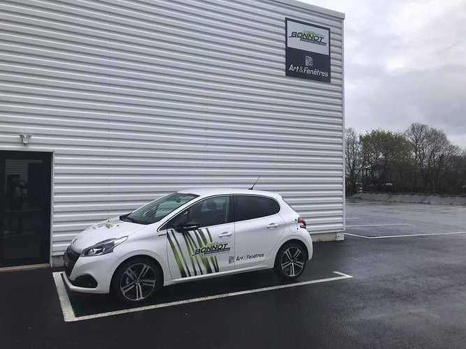 Nouveau véhicule pour l''entreprise BONNOT MENUISERIES près de Guingamp (22) 5643337823867332113868103819145366972923904n