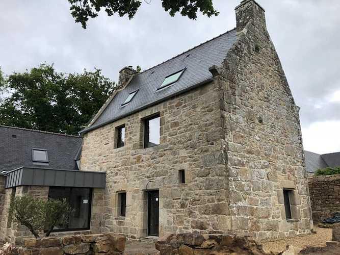 Rénovation des menuiseries d''une maison en pierre - Ploubezre (22) 0