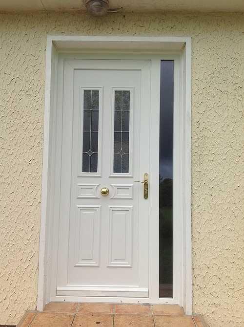 Porte d''entrée PVC vitres sérigraphiées, laiton - Prat porteblance2