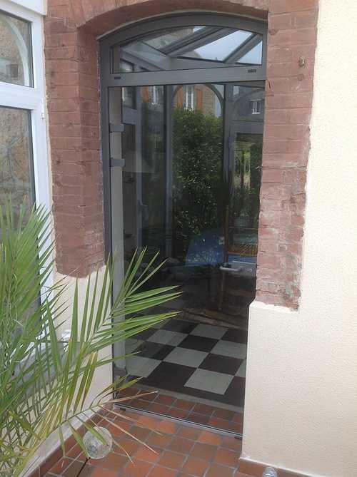 Sas double porte vitrée cadre alu sur véranda - Trébeurden porte-entree-sas-alu-avecf86r0l